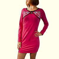 Короткое розовое платье из трикотажа