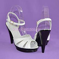 Женские белые стильные босоножки. Натуральная кожа, устойчивый каблук. 38 размер, фото 1