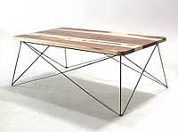Деревянный столик в гостинную