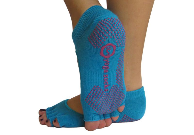 Голубые носки для йоги