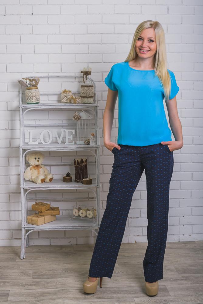 Костюм женский с брюками Армани