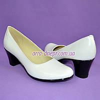 "Белые кожаные женские туфли на каблуке. ТМ ""Maestro"""