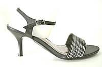 Босоножки женские на каблуке