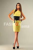 Женское платье желтое мемори с черный поясом атлас с