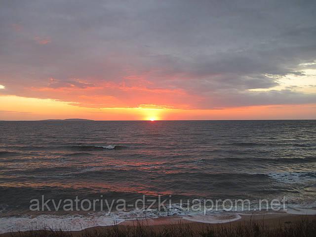 Крым, море, закаты и композитные бассейны от производителя ДЗКИ