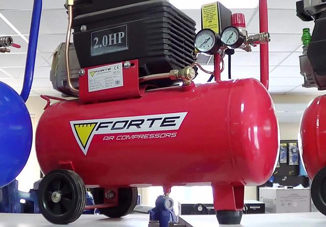 Поршневой компрессор Forte FL 25 фото 1
