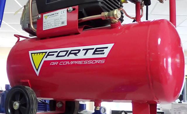 Поршневой компрессор Forte FL 25 фото 2