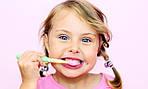 Дети чистят зубки?