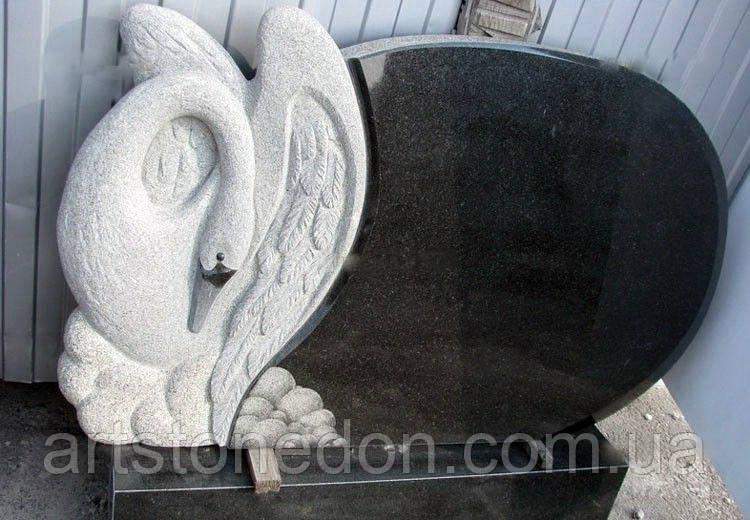 Памятник из гранита Лебедь 2