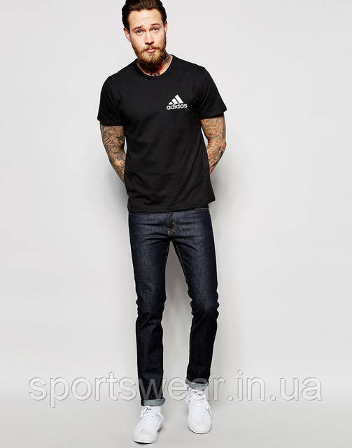 Футболка черная Adidas маленький значек