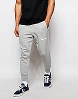 Спортивные штаны Nike серые ( Белый принт )