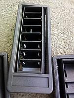 Решётка в сборе боковая стандартной панели приборов на Таврию 1102-5304160 Решетка обдува боковых стёкол 1103
