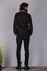 Вышитая мужская рубашка на черном лене с геометрическим узором, фото 3