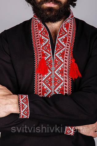Вышитая мужская рубашка на черном лене с геометрическим узором, фото 2