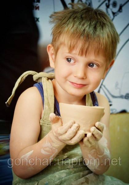 Лепка из глины с детьми помогает в развитии