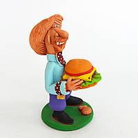 Глиняная статуэтка. Казак с гамбургером. Украинский сувенир