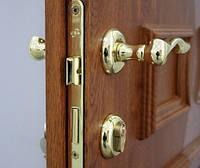 Ремонт дверного замка, ручки, петли