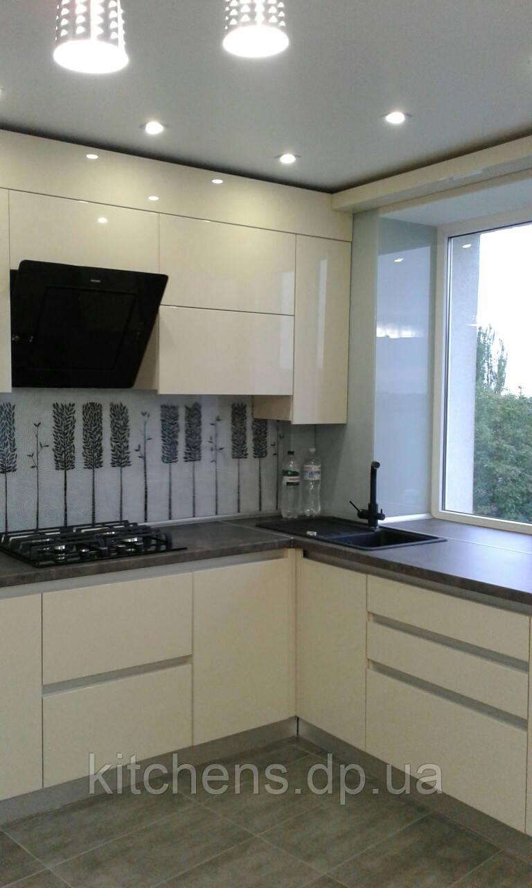 кухня белая бежевая прямая угловая под окно продажа цена в