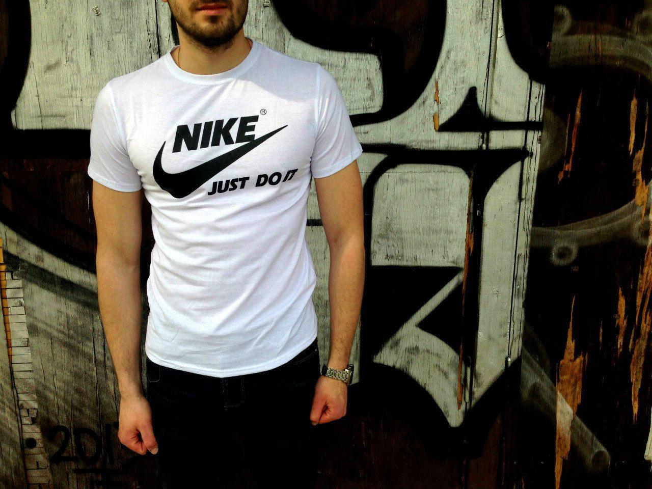 Футболка Nike белая, спортивная