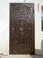 Эксклюзивные металлические двери с коваными накладками.Возможна доставка и установка.