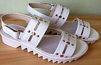YTA стильные белые заклепки! Босоножки женские обувь лето сандали