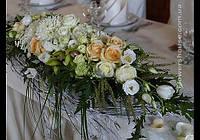 """Свадебное оформление зала цветами.  Ресторан """"Боярин""""."""