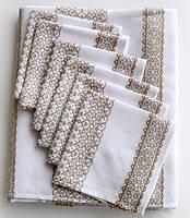 Скатертина та серветки для святкового столу