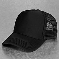 Черная кепка тракер