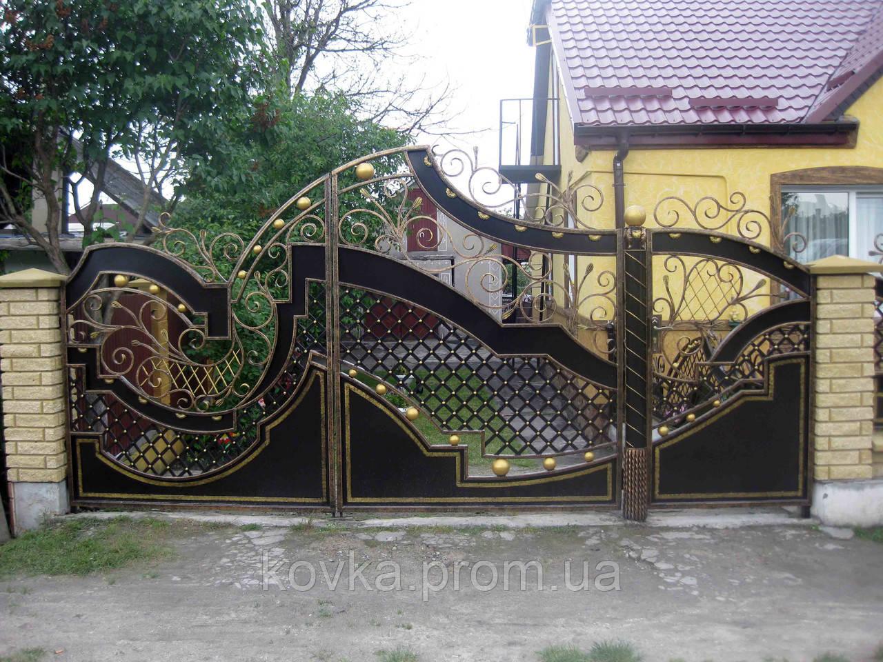 Кованые распашные ворота с калиткой, код: 01043
