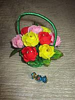 """Букет из конфет """"Разноцветные розы"""" в корзинке"""