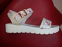 Женские кожаные босоножки на танкетке LEXI