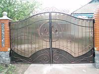 Ворота распашные с поликарбонатом