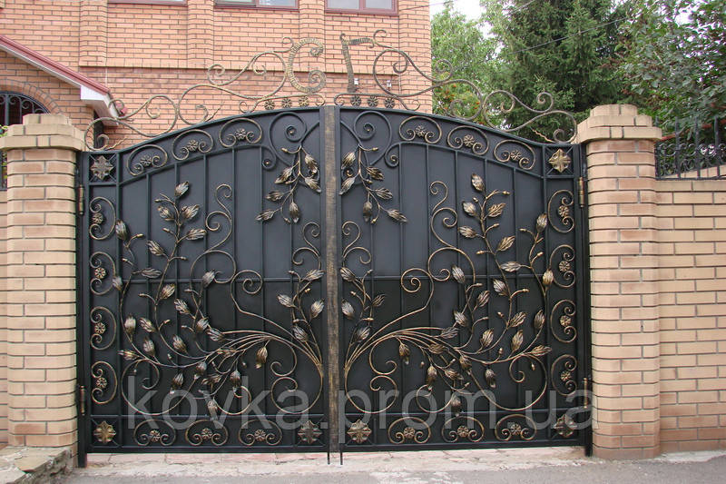 Кованые распашные ворота, код: 01055