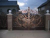 Ворота кованые распашные с поликарбонатом