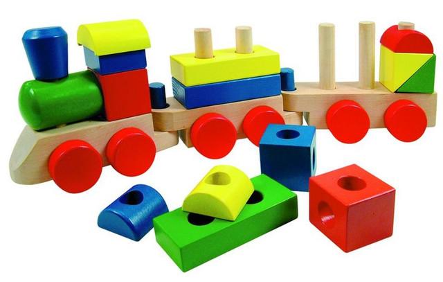 Развивающие игрушки, мольберты и доски для детей.