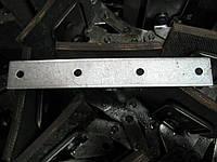 Передняя планка скребка к зернометателю