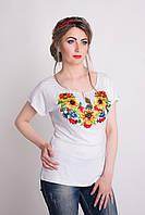 Красивая вышитая женская футболка