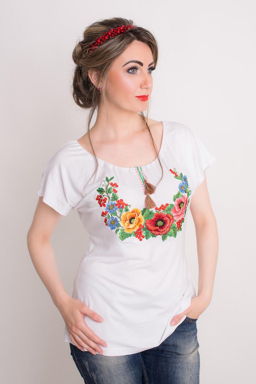 Оригинальная женская футболка с вышивкой