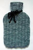 Вязаный чехол на грелку трикотажный серый.