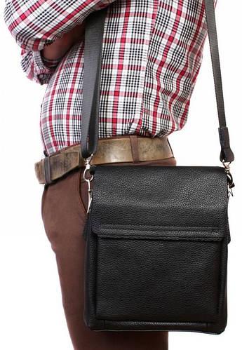 Дизайнерская кожаная сумка с клапаном для документов черного цвета Alvi av-4-3917