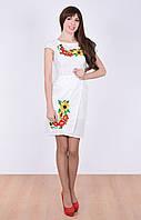 Белое платье с классической вышивкой
