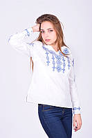 Стильная блуза и геометрия голубой вышивки
