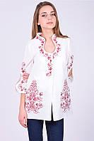 Молодежная блуза с вырезом капелька и модной вышевкой