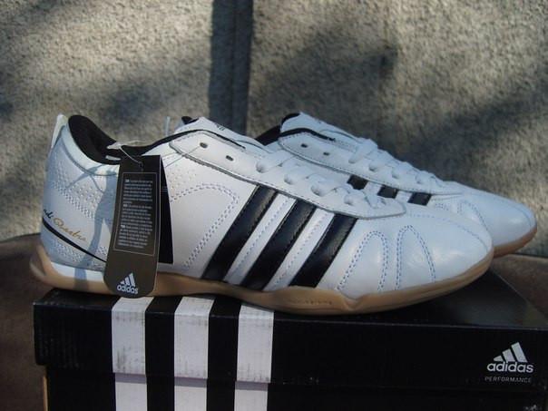 db47b06fefcc ... фото Кроссовки для мини-футбола Adidas Questra белые (размеры 41-45),  ...