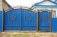 Ворота с калиткой из профлистом