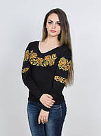 Трикотажная вышиванка с роскошным цветочным орнаментом