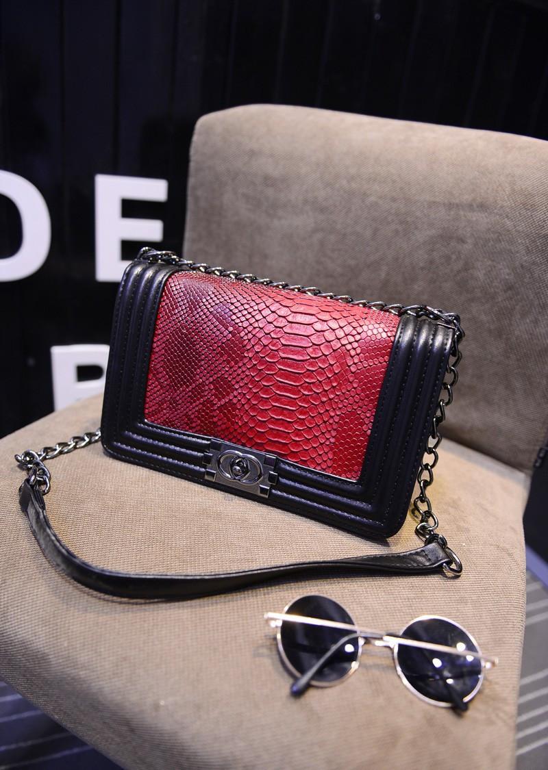 Женская сумка Шанель через плечо Chanel Boy