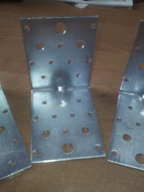 Уголки монтажные из стали 09Г2С