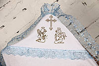 Крестильная пеленка с голубым кружевом