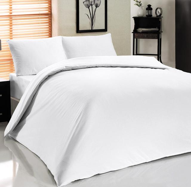 Постельные принадлежности для отелей белого цвета